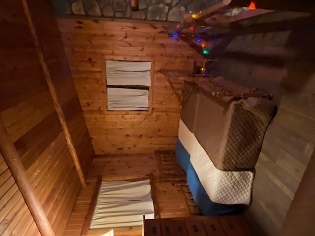 https://0201.nccdn.net/1_2/000/000/088/fc3/loft-bedroom2.jpg