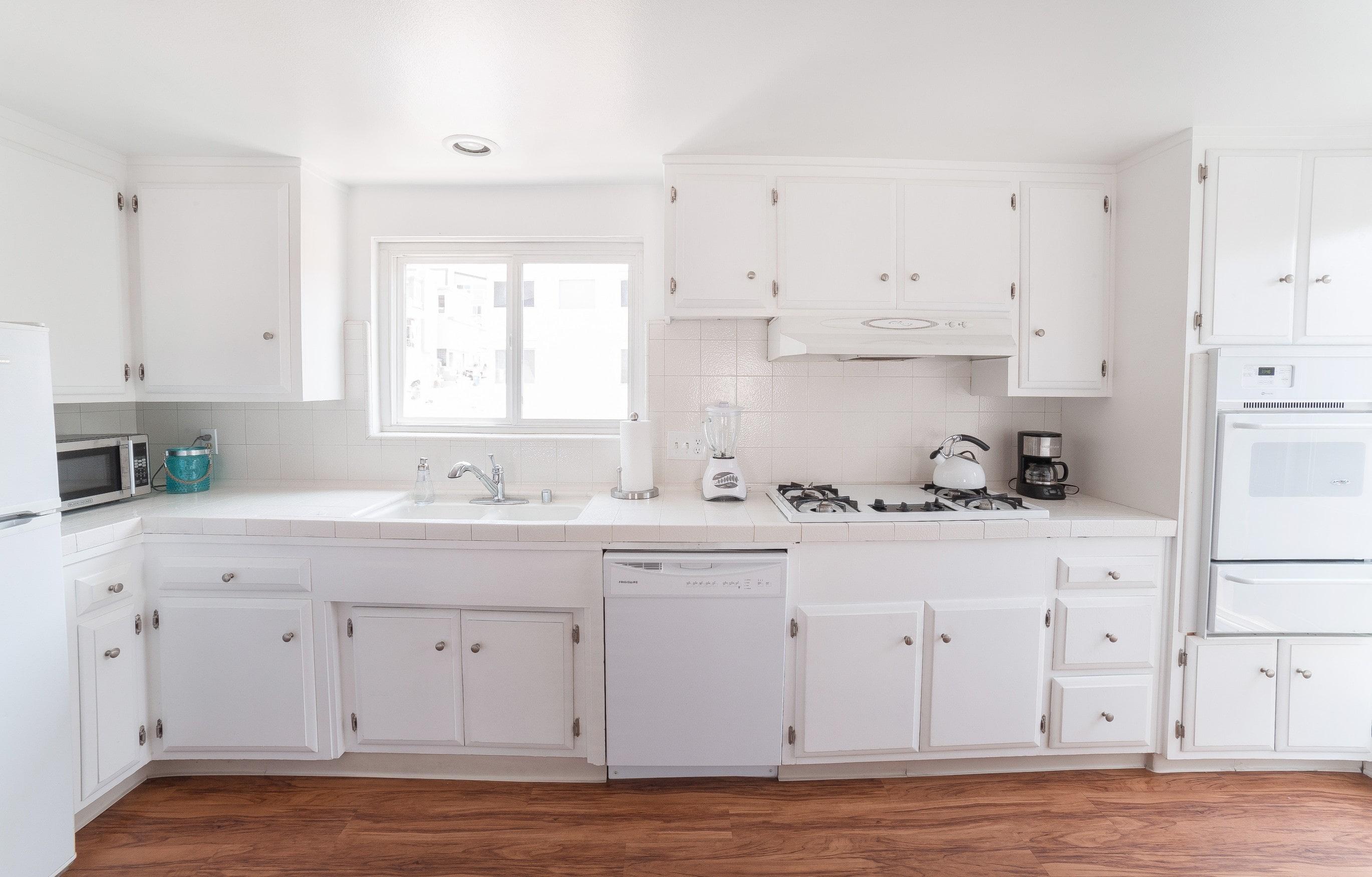 MB Apartment Kitchen 1