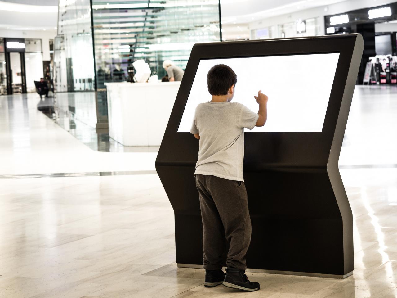 Freestanding interactive screen