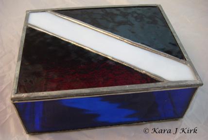 https://0201.nccdn.net/1_2/000/000/08b/632/06-24-13-Diver-Down-Flag-Stained-Glass-Box-2-4x6-428x288.jpg