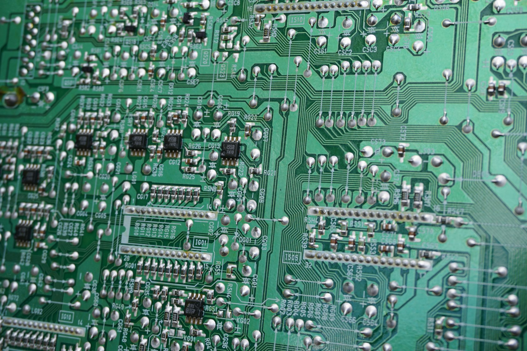 Understanding The Techniques Used In Printed Circuit Board Assembly Manufacturing Process Is Difficult And All These Tiny Electronic Components That Get Attached To Pcb Are Inserted Through Holes Formed For Express Purpose Of