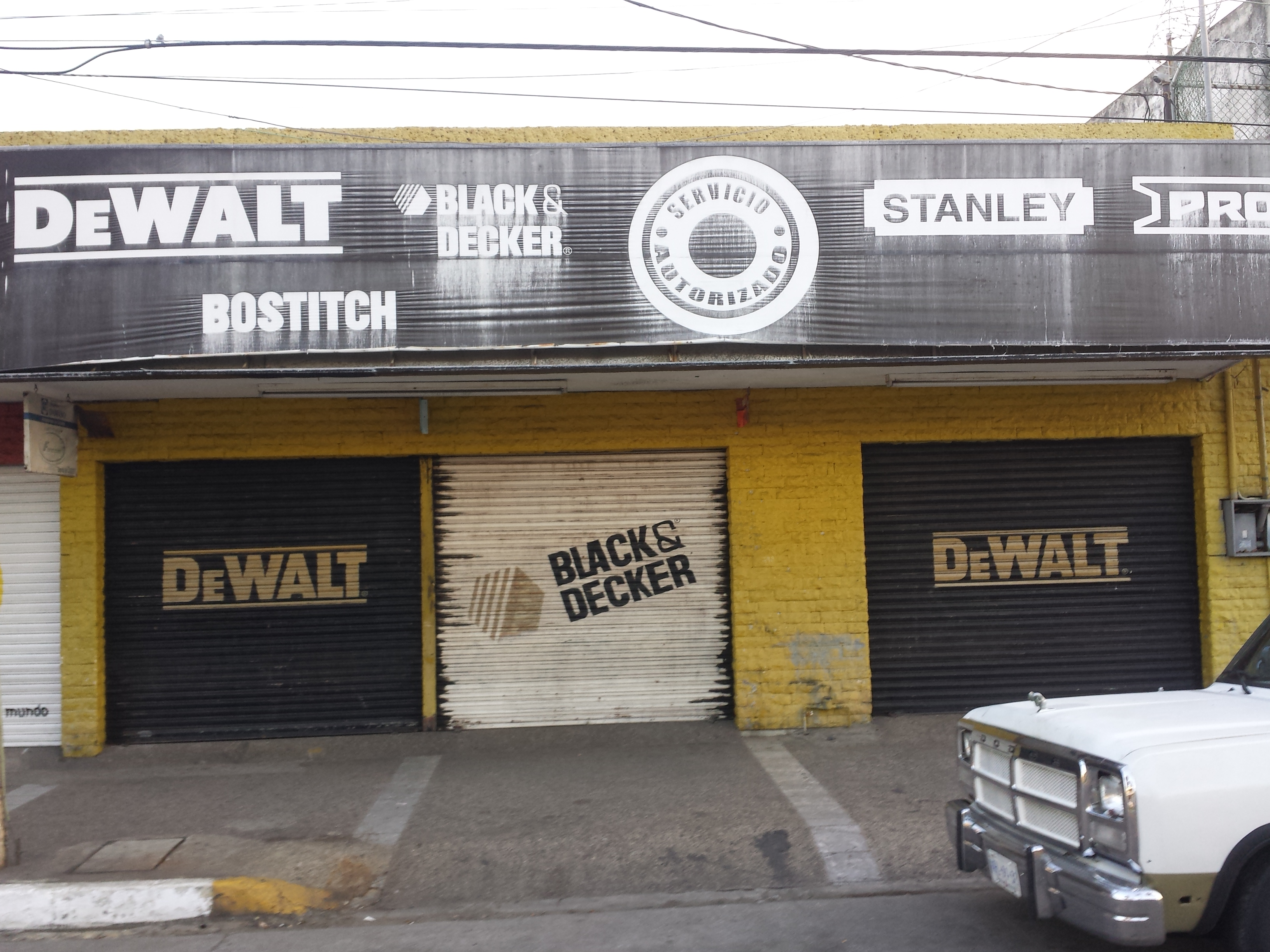 DeWalt: Av. Gutierrez Najera #417 Centro