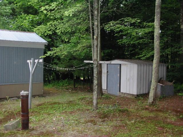 https://0201.nccdn.net/1_2/000/000/092/da3/clothesline---shed-640x480.jpg