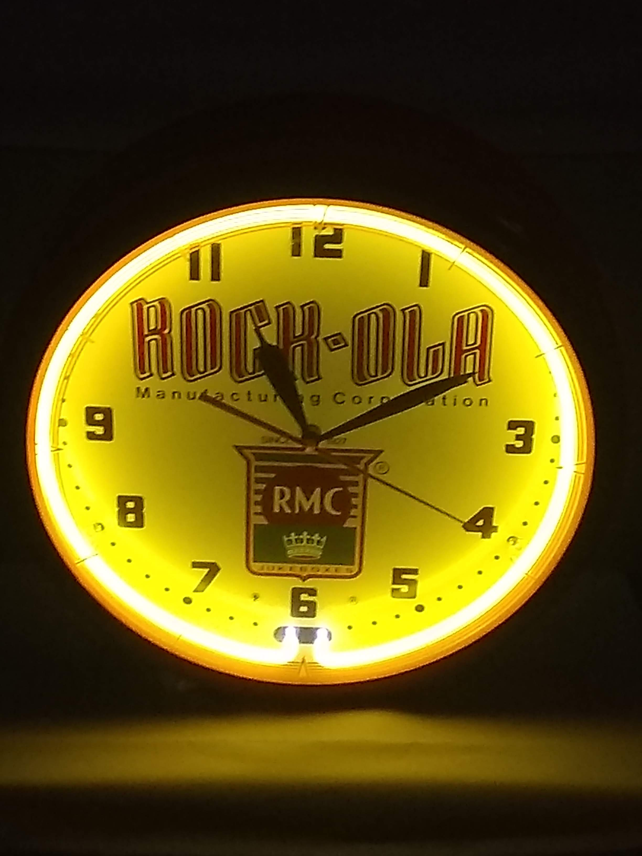 https://0201.nccdn.net/1_2/000/000/092/e84/ADV-Rock-Ola-Clock.jpg