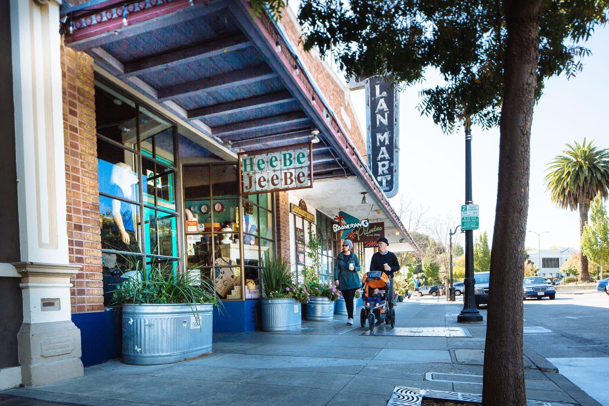 https://0201.nccdn.net/1_2/000/000/095/388/Petaluma-Visitors-Program---Locations---2016-m.woolsey-5-2048x1365.jpg
