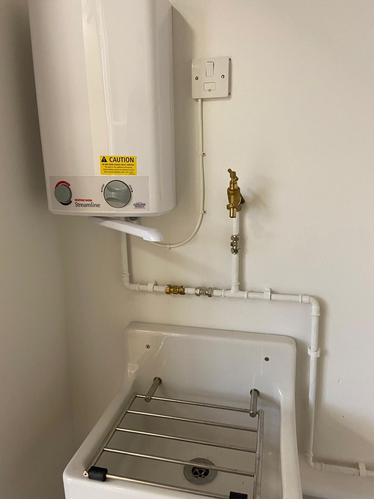 https://0201.nccdn.net/1_2/000/000/095/3e8/connected-up-boiler.jpg