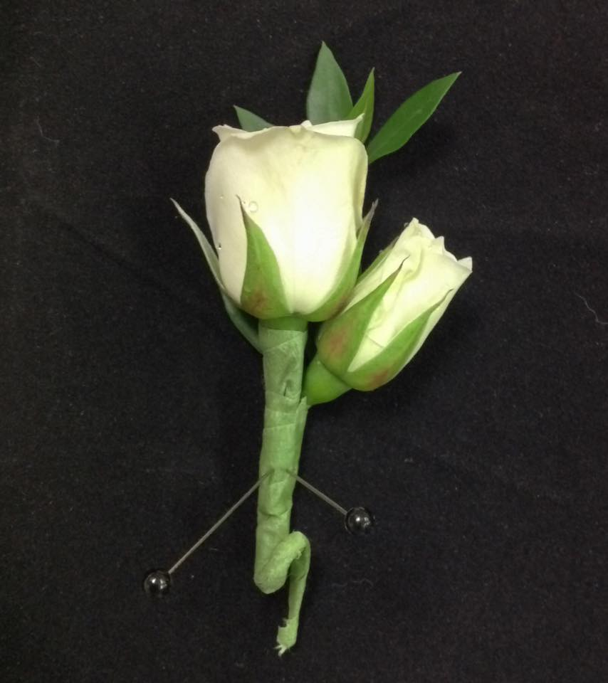 Fresh Flower Tea Rose Boutonniere