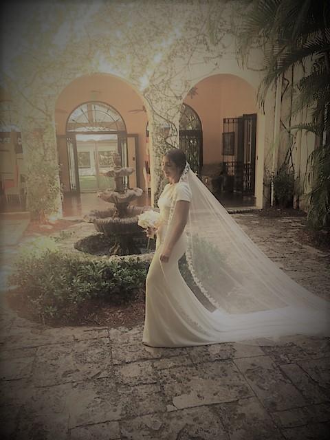 https://0201.nccdn.net/1_2/000/000/099/3e3/bride.jpg
