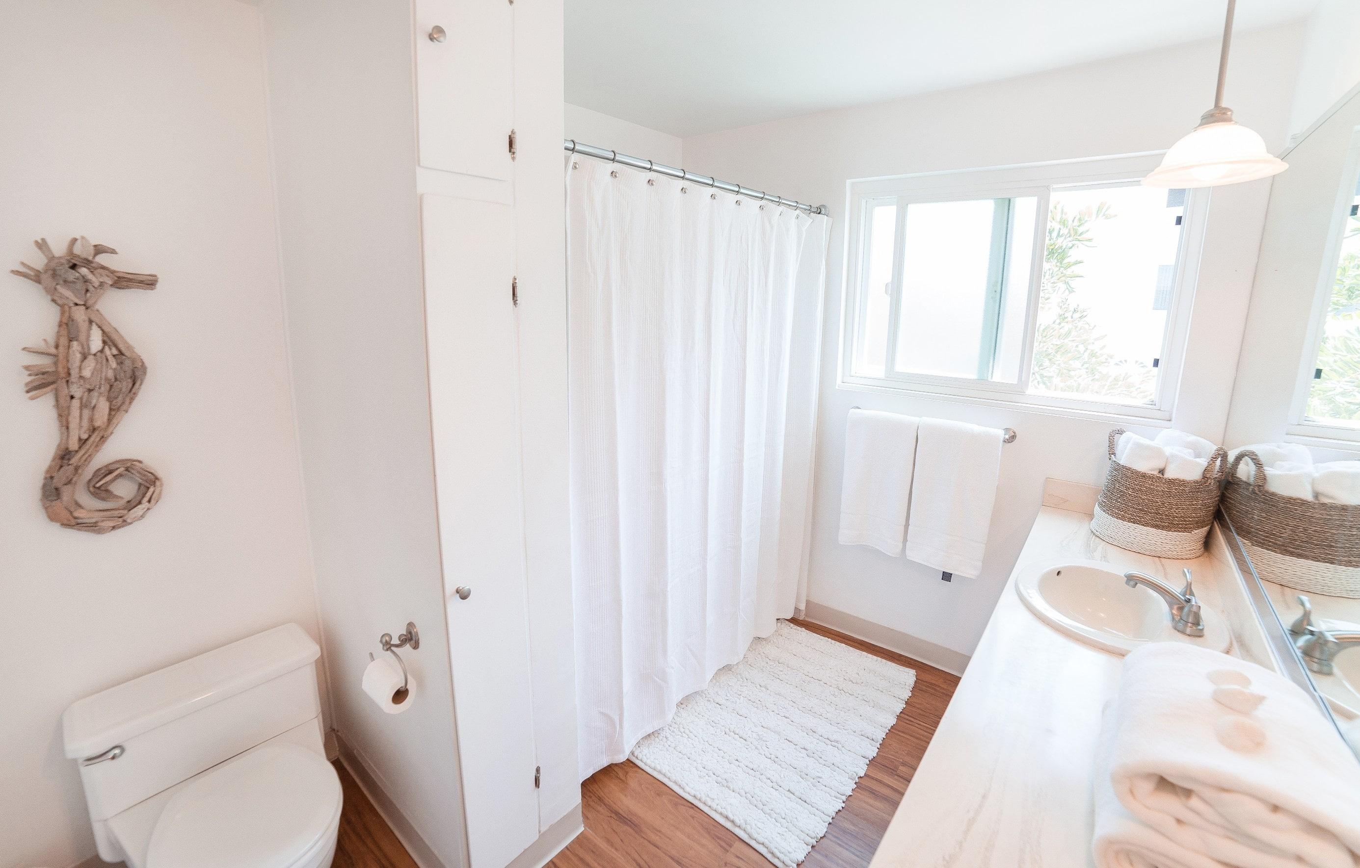 MB Apartment Bathroom 2