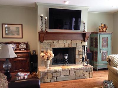 fireplace before.jpg