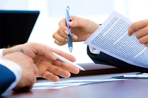 Contracts Lawyer, Contract Law Attorney, Contract Drafting and Review