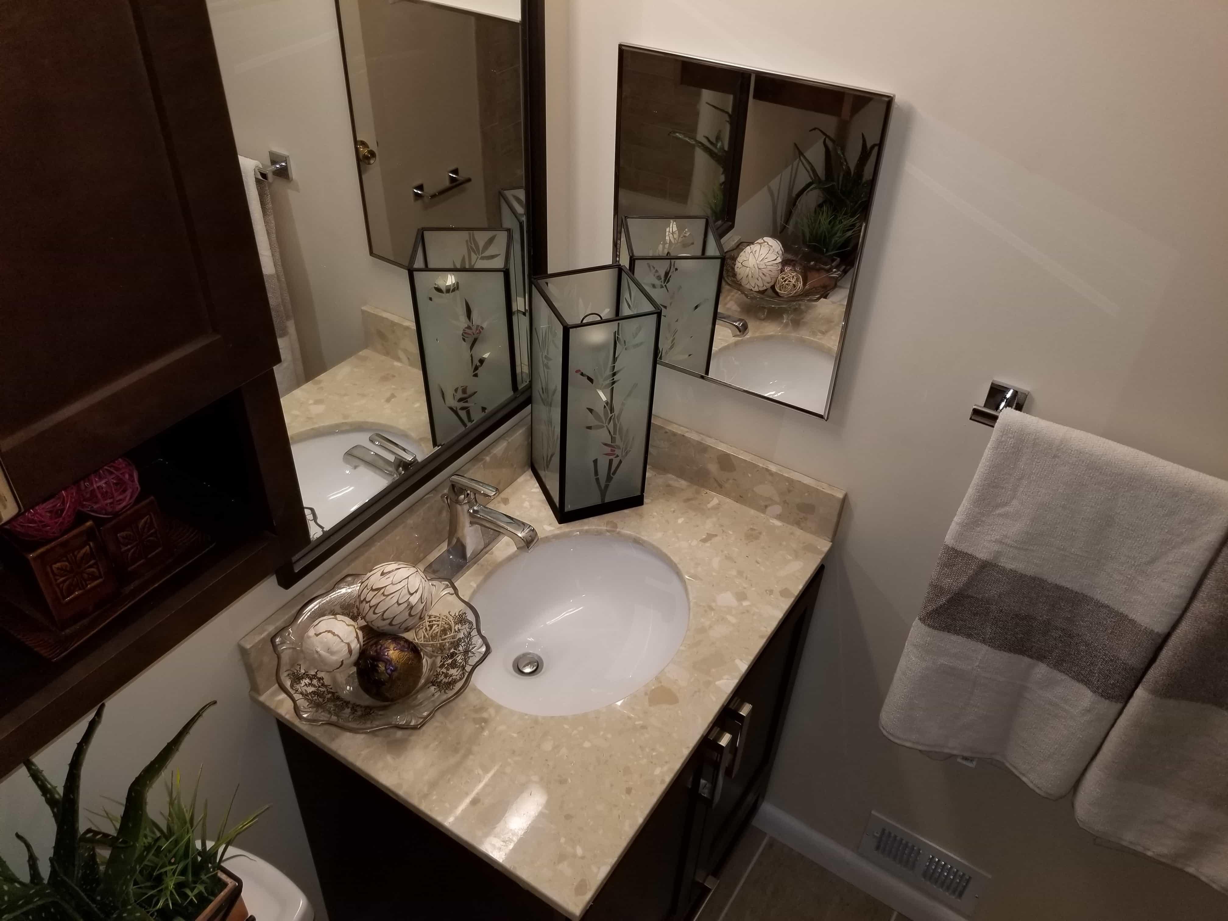 https://0201.nccdn.net/1_2/000/000/09e/e2a/BathroomSinkVanities-min-4032x3024.jpg