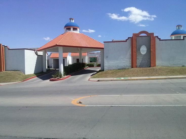 Motel Hacienda de Castilla - COCHERAS CERRADAS