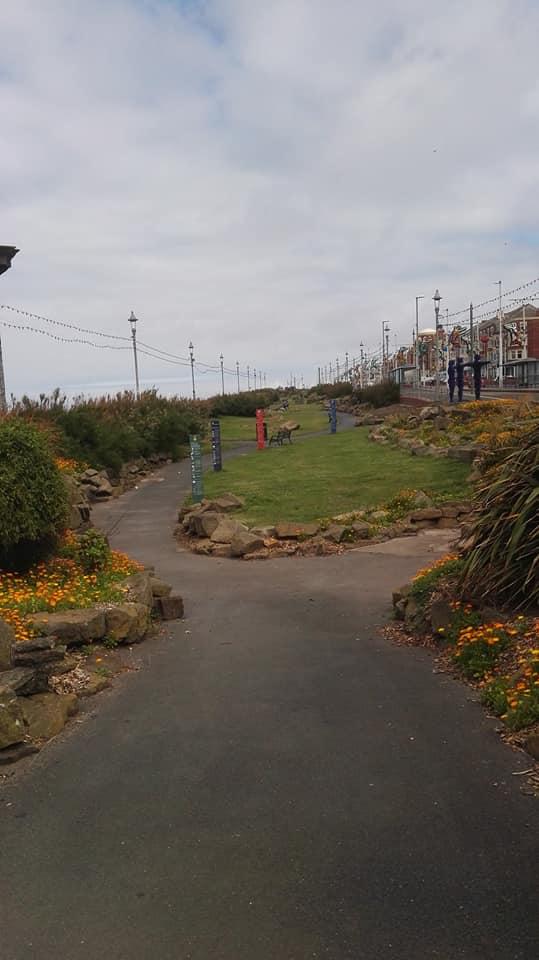 https://0201.nccdn.net/1_2/000/000/09f/dd6/Gardens-North-Shore-539x960.jpg