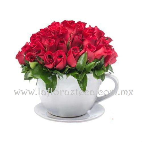 Mom-Taza con 50 rosas rojas Precio $1460