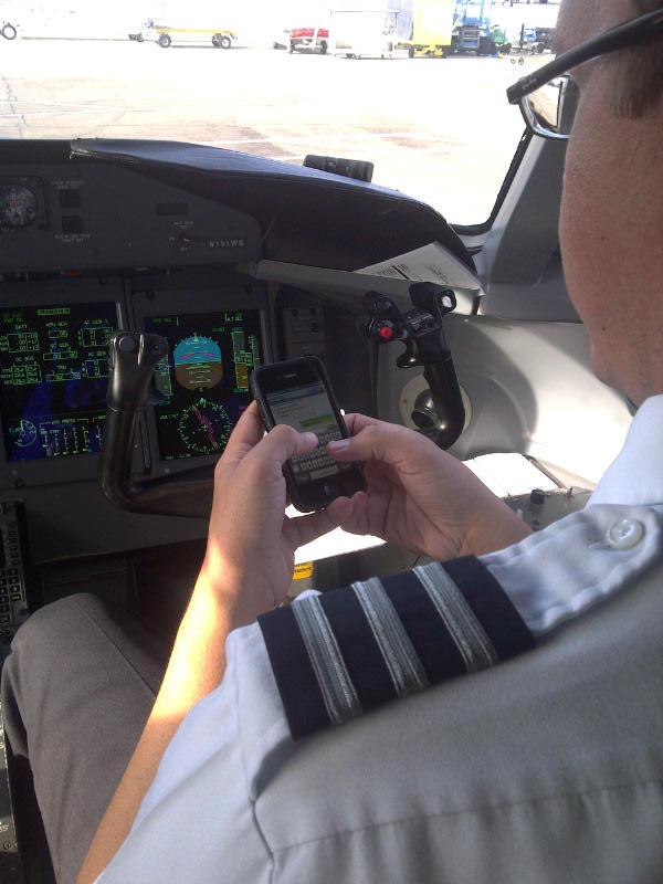 Pilot sending text message||||