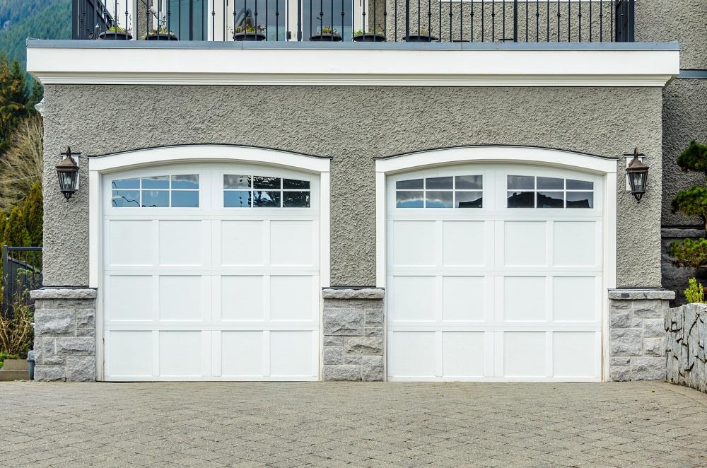 The Benefits of Installing an Overhead Garage Door