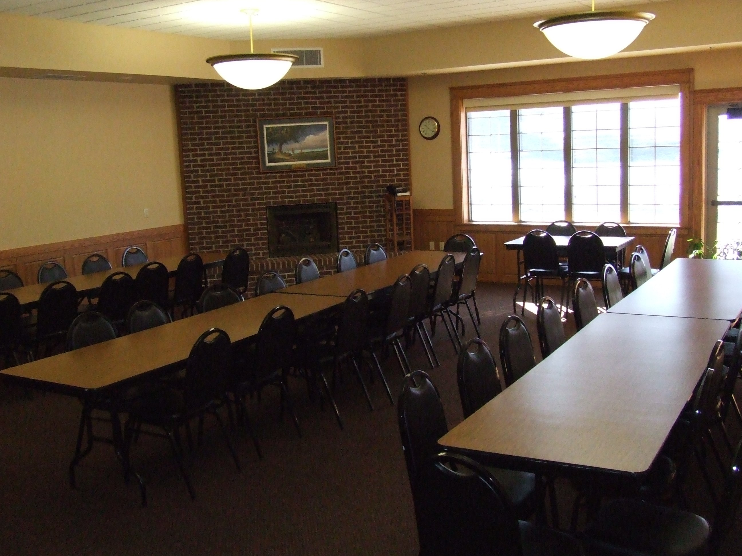 Sprague Room with tables in row configuration