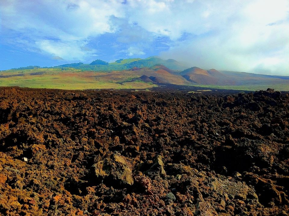 https://0201.nccdn.net/1_2/000/000/0a3/b7b/LaPerouse-Lava-Fields-on-our-Island-Day-Tour-960x717.jpg