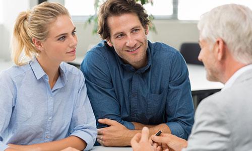 Financial Advisor with Customer