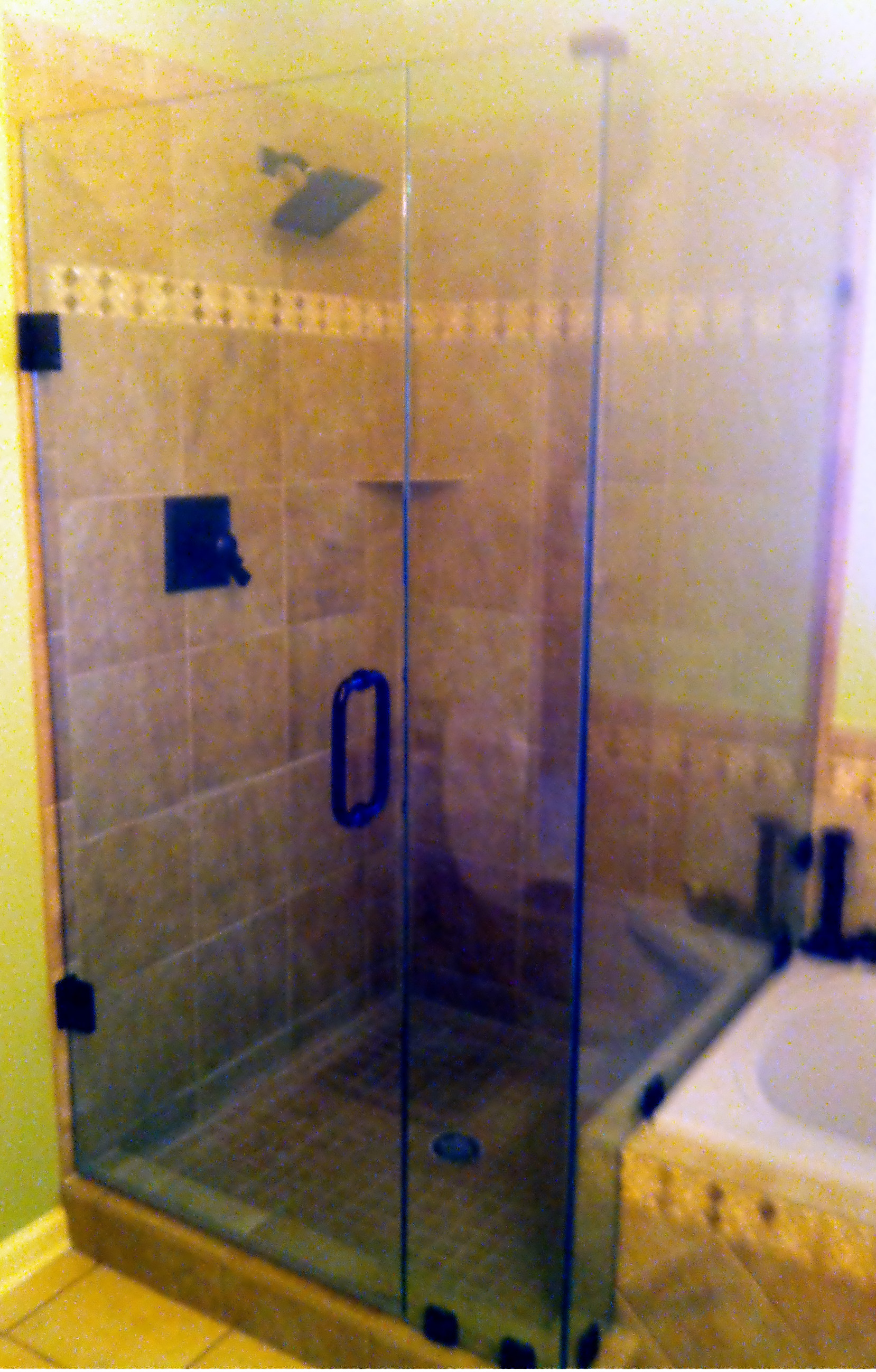 https://0201.nccdn.net/1_2/000/000/0a6/669/Shower-door-frameless-sidelite-and-return-ORB.JPG