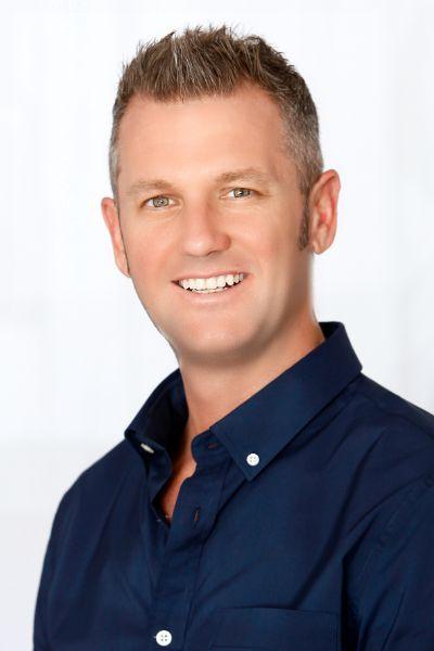 Ryan J Smith