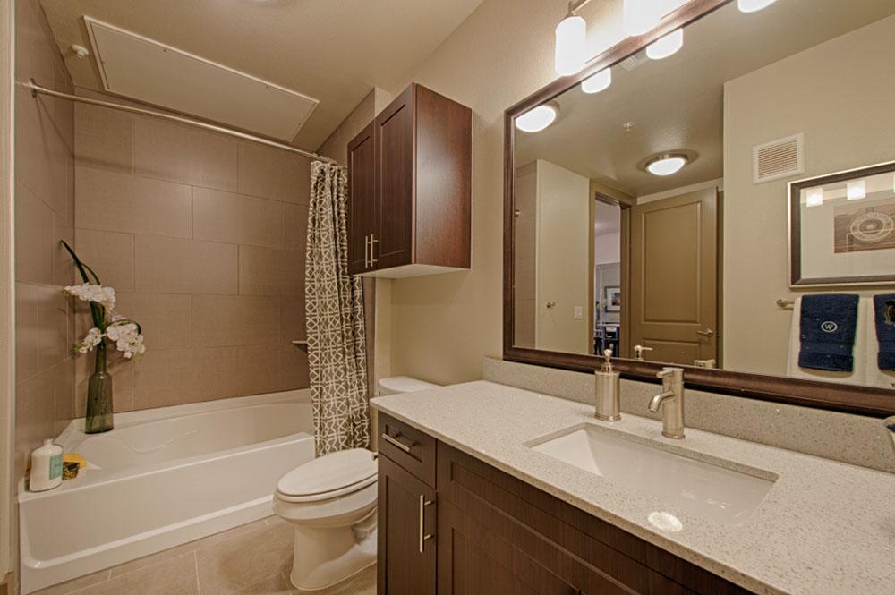 https://0201.nccdn.net/1_2/000/000/0a9/a72/PW-Bathroom.jpg