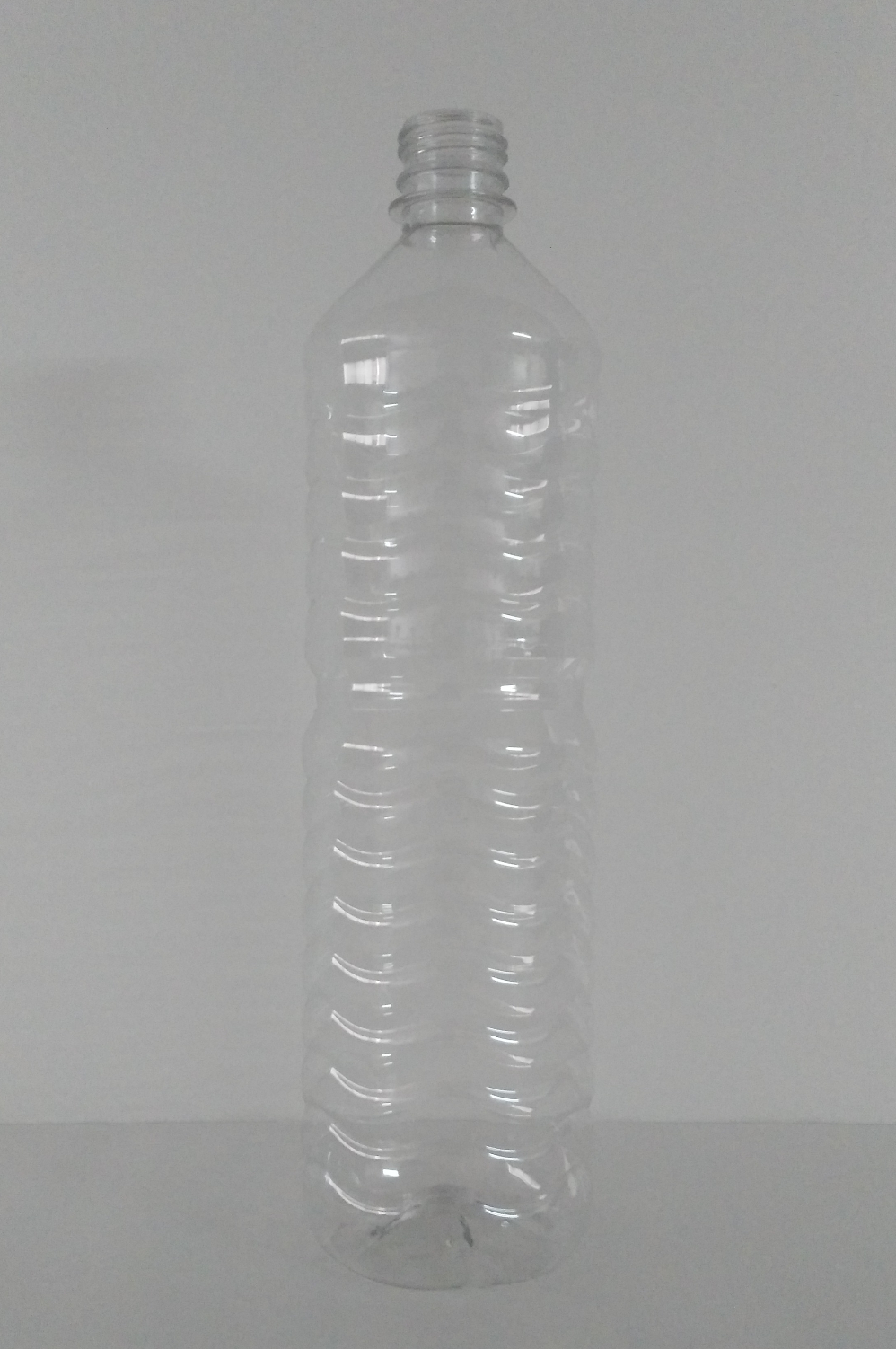 Botella  Anillada  MEDIDA: 1000ml.  COLOR: Cristal