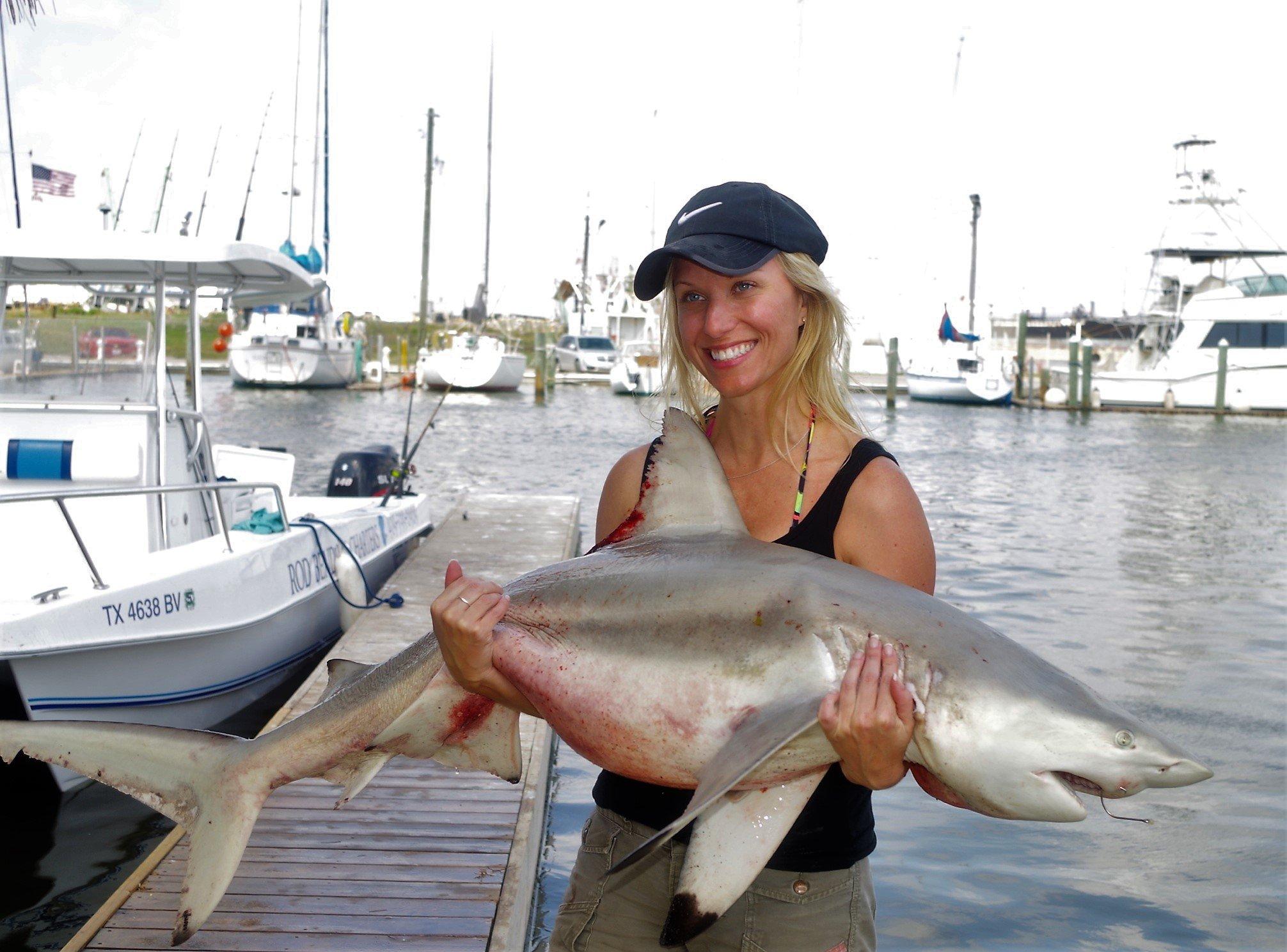 https://0201.nccdn.net/1_2/000/000/0aa/42b/shark-fishing-galveston-fishing-charters.jpg