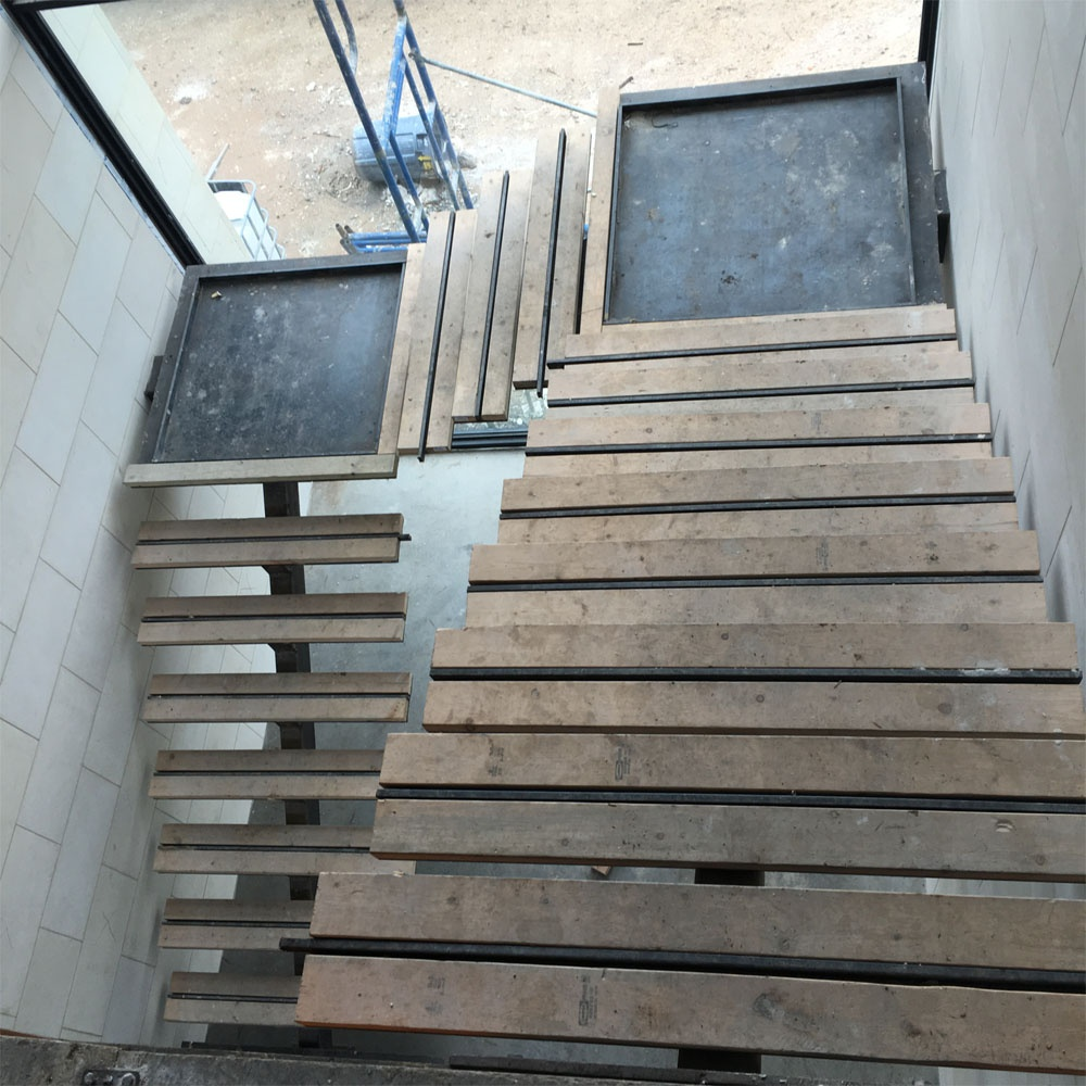 https://0201.nccdn.net/1_2/000/000/0aa/43e/Steel-Stairs-2-1000x1000.jpg