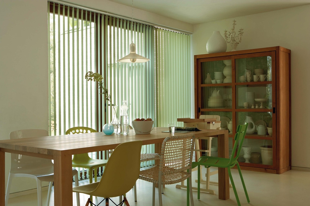 Ideal para el cubrimiento de ventanas de configuración piso a techo.
