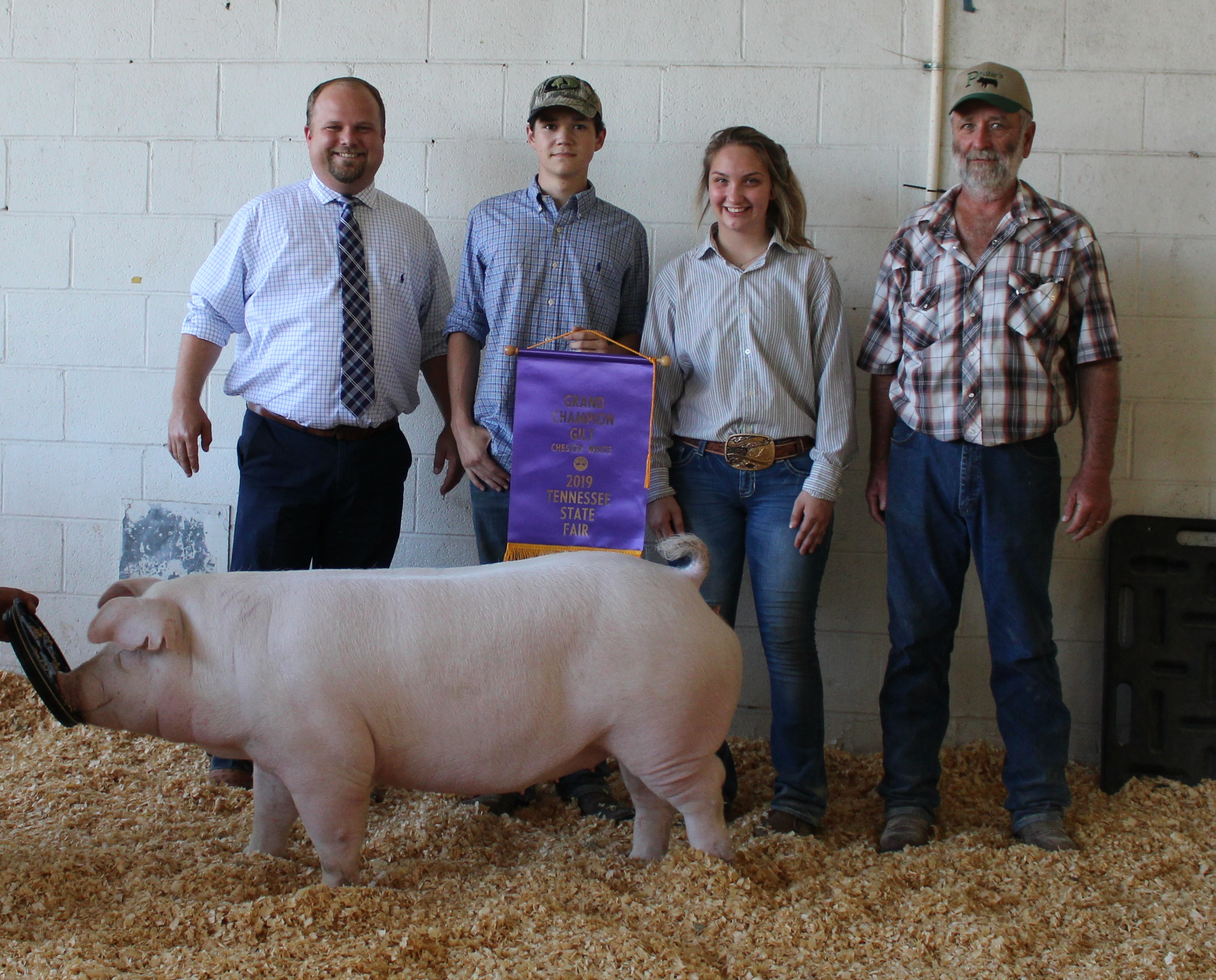 Gracee Woods & Matt Roach 2019 Tennessee State Fair Champion Chester White Gilt