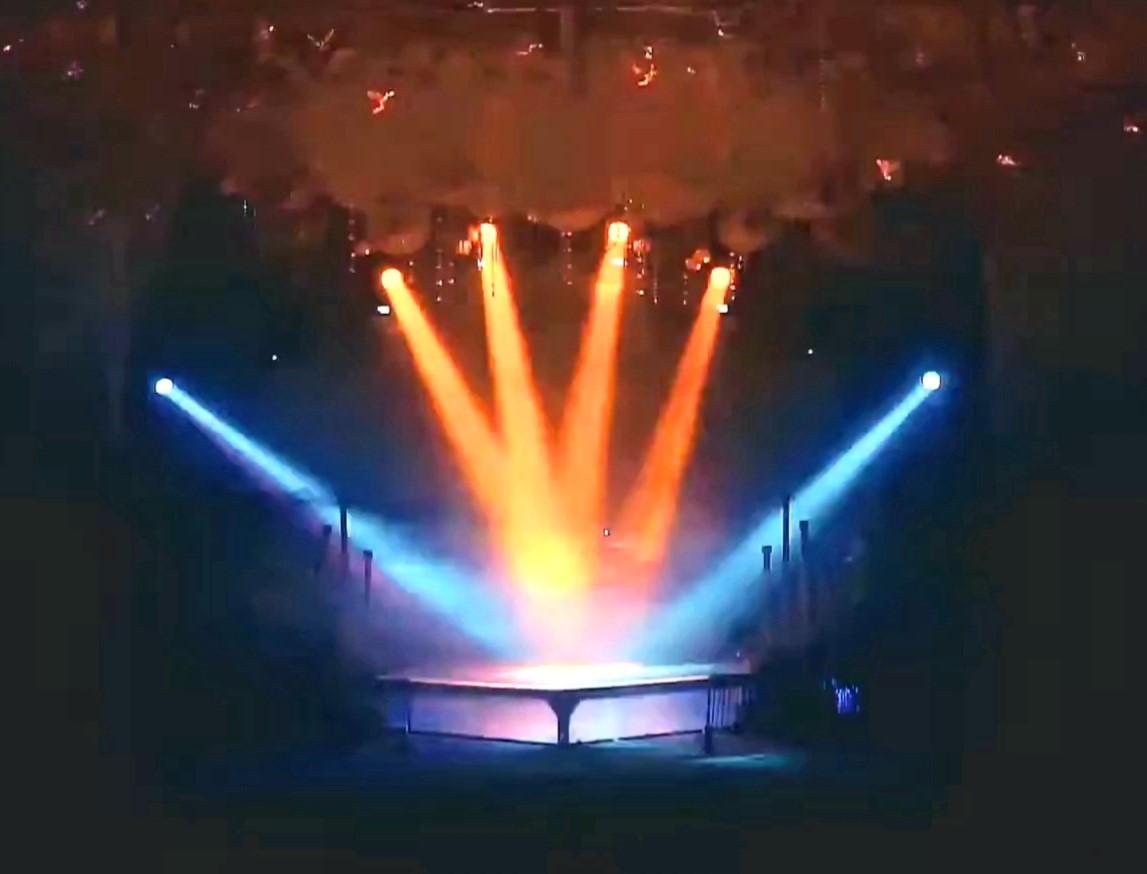 https://0201.nccdn.net/1_2/000/000/0ab/c1e/lights15.jpg
