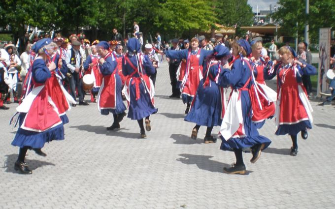 Whitethorne dancing at the London Eye