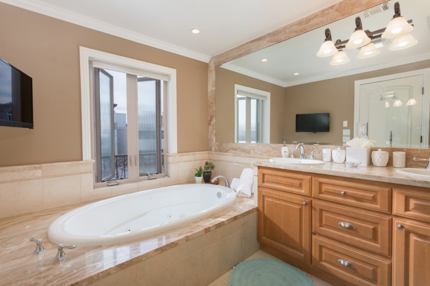 HB Ocean View Townhouse Master Bath