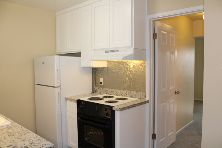 Kitchen with new granite countertops