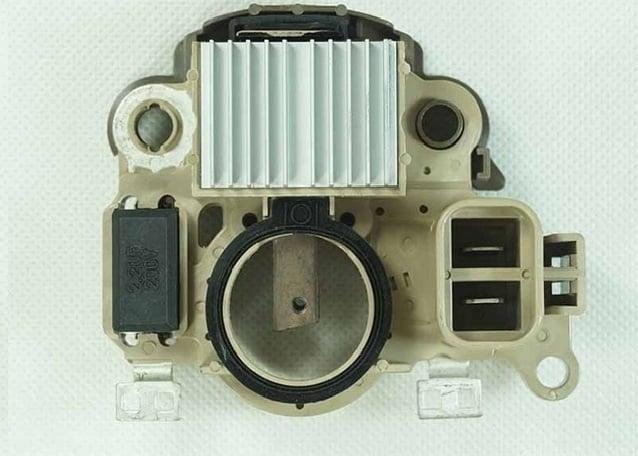 https://0201.nccdn.net/1_2/000/000/0b1/617/MH-Electronic-nuevo-regulador-de-alternador-12-V-14-V-para-Mitsubishi-Pajero-2-8D-Canter.jpg_640x640-638x456-638x456.jpg