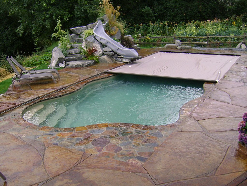 Cover-Pools Freeform Pool With Automatic Cover.