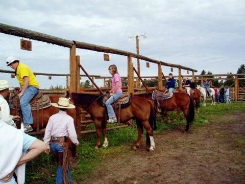 Horseback Riding at 320 Guest Ranch