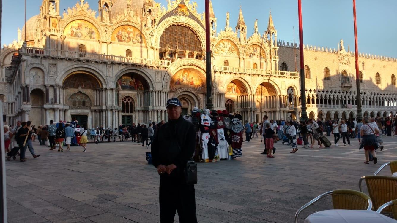 En la Plaza de San Marcos, Venecia