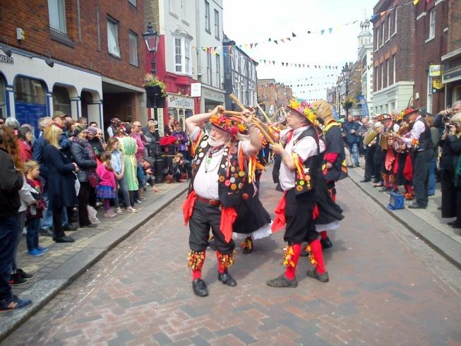 Phoenix Morris performing in the High Street