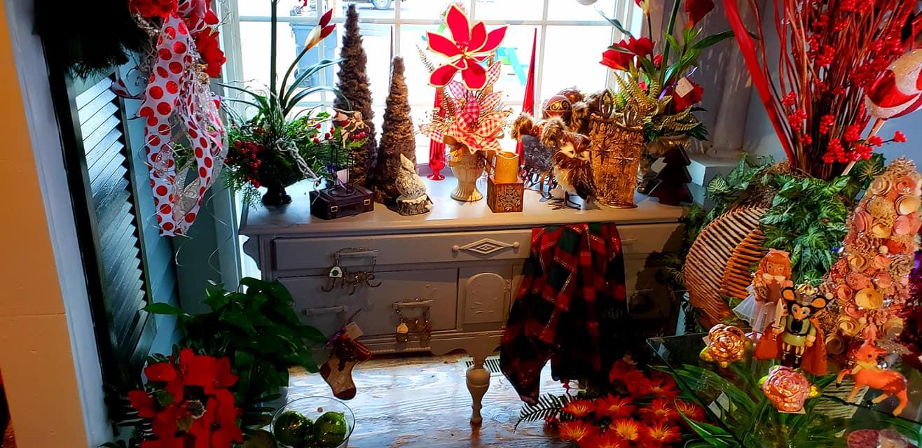 Christmas Décor and Flowers