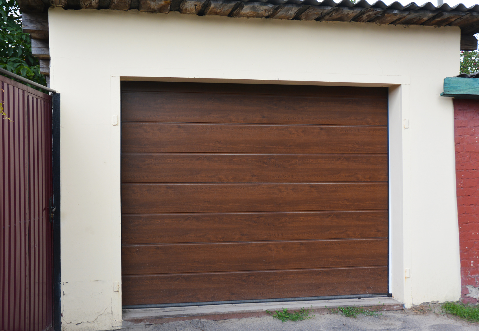 How to Select an Elite Garage Door Company