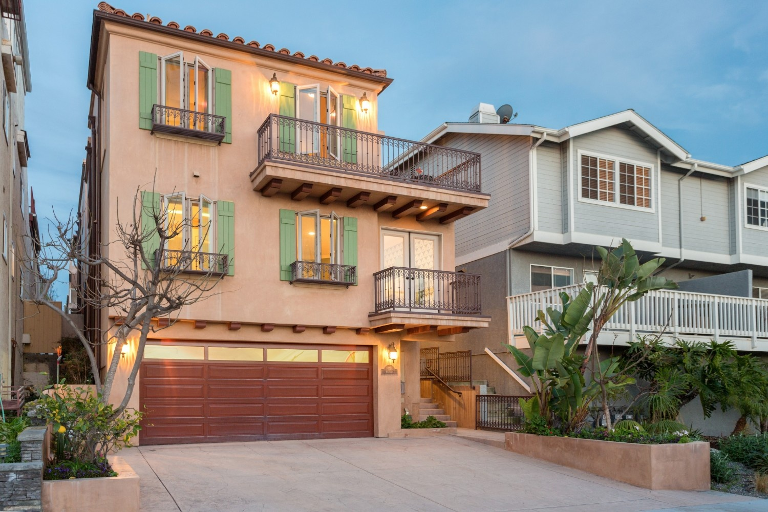 HB Ocean View Townhouse Front