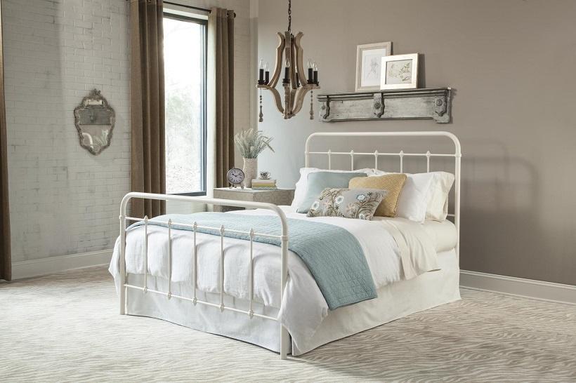 899 Metal Bed