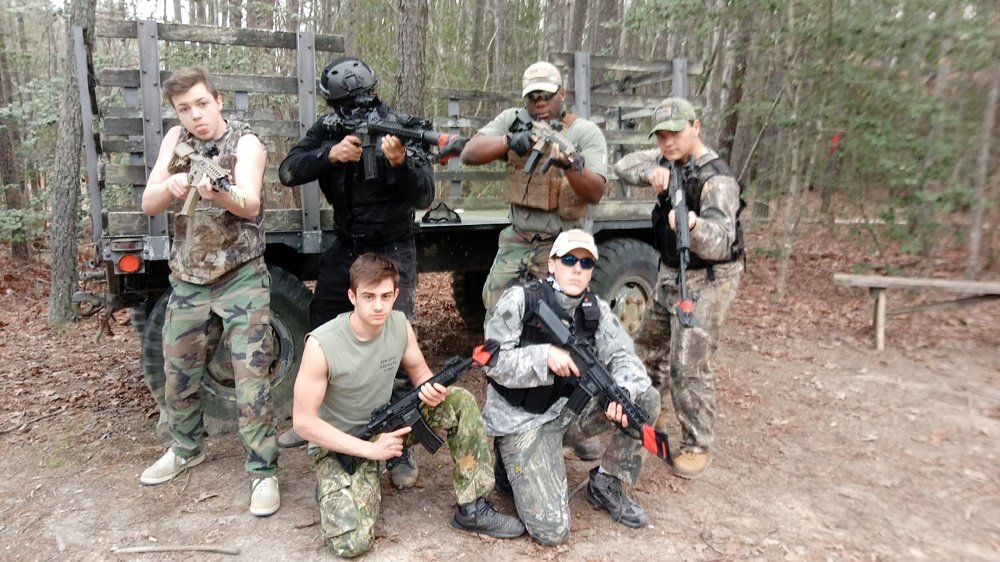 https://0201.nccdn.net/1_2/000/000/0be/552/0324181758e---New-Kent-Paint-Ball-Games-1000x562.jpg
