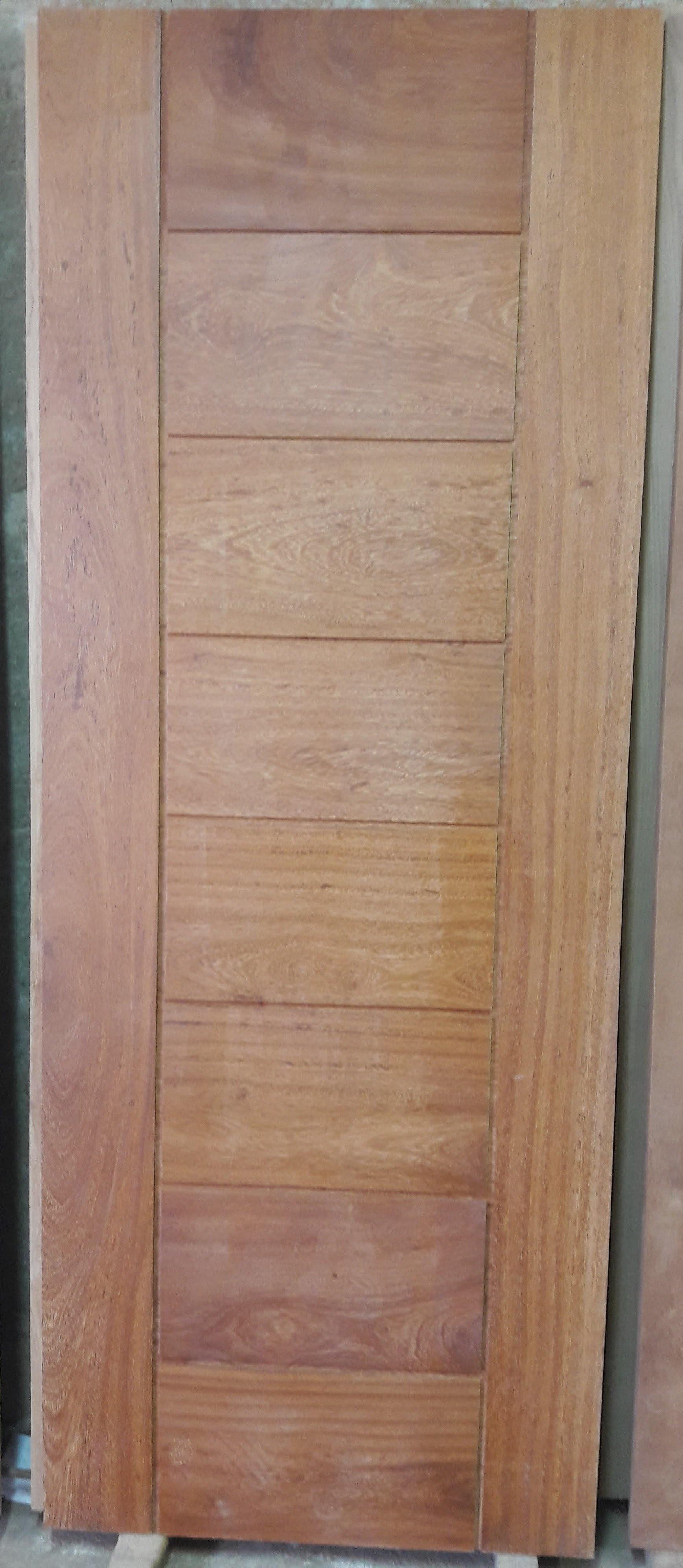 Porta 312 - Madeira Angelin.