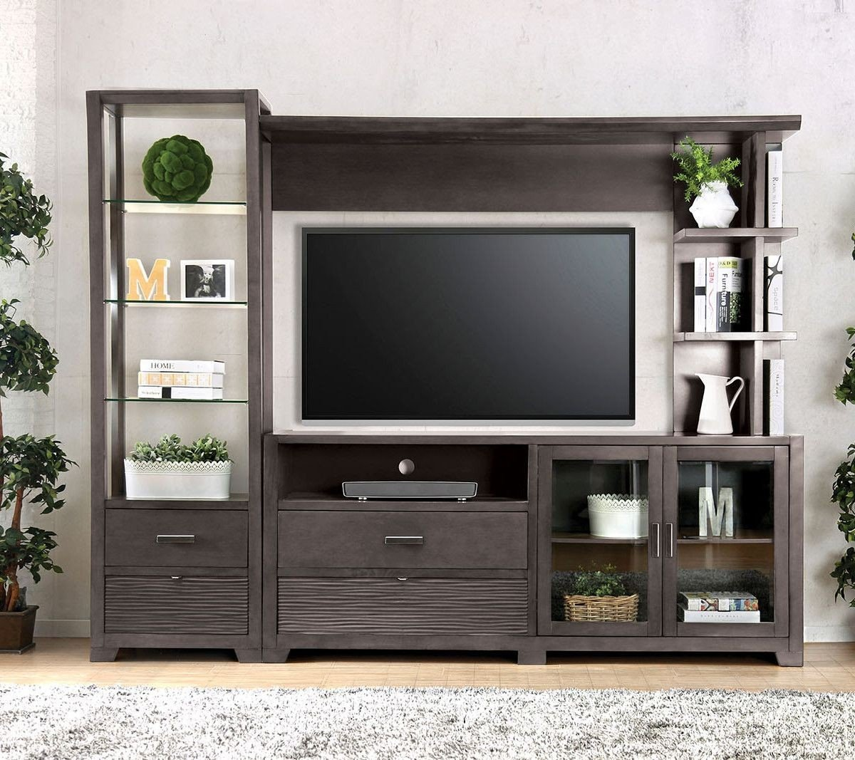 Tienen Entertainment Center