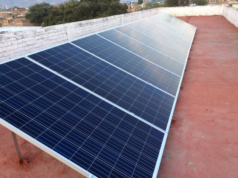 https://0201.nccdn.net/1_2/000/000/0c3/934/panel-solar-instalado1-960x716.jpg