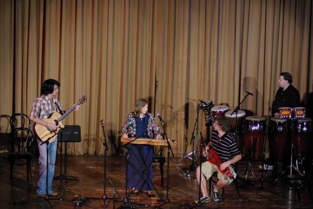 Concert, Chattanooga Dulcimer Festival 2008; Jess Eisley, guitar; Jeff Hames, MD